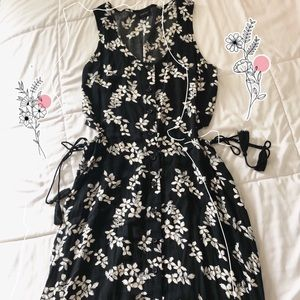 Who What Wear black and white floral button dress